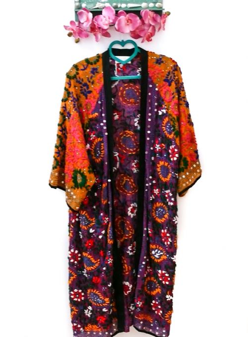 Boho Kimono mit Pailettenapplikationen, handgefertigtes Unikat ab 189,-
